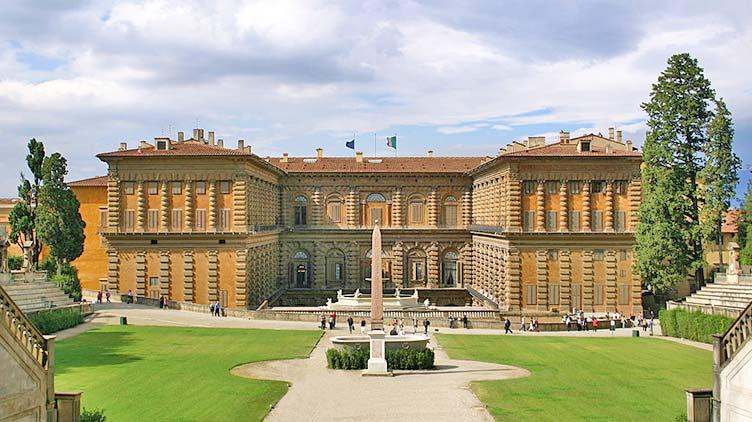 Die Gartenfassade vom Palazzo Pitti in Florenz