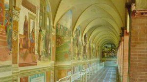 Der Kreuzgang in der Abtei Monte Oliveto Maggiore